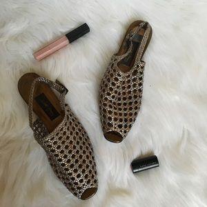 sesto meucci silver leather sandals